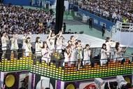 乃木坂46、明治神宮野球場3DAYS初日公演で全44曲を3万5千人に披露