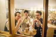 オリジナルメンバーで復活したHUSKING BEEがアルバムのリリースを発表