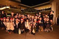 倉木麻衣、360°VRを再現した円形ステージでクリスマスライブイベントを開催