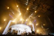 [Alexandros]、全国&アジアツアーファイナル・幕張メッセ公演で29曲を披露!