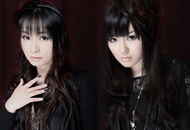 2ndシングル発売記念イベントを開催するARTERY VEIN(左:今井麻美、右:喜多村英梨)