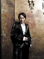 ベスト盤の世界配信が決定した徳永英明 Listen Japan