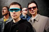 ウィーザー単独公演は「ブルー・アルバム」と「ピンカートン」の再現ライヴ Listen Japan