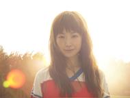 7月にニューシングル「Hello !」をリリースするYUKI
