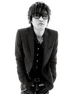 8月にラブソング・ベストALを発売するスガ シカオ
