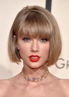 第58回グラミー賞「年間最優秀アルバム」など3部門を受賞し、3冠を達成した。(image Photo by Getty Imagesz)