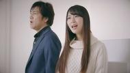 映画『仮面ライダー1号』のEDテーマでデュエットソングを披露する野口五郎とSKE48・高柳明音