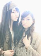 それぞれソロアーティストとしても活動するARTERY VEIN(左:喜多村英梨、右:今井麻美) ListenJapan