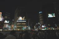 矢沢洋子、新作の発売記念で渋谷スクランブル交差点をジャック