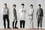 L→R 重田雅俊(Dr)、塩�ア啓示(Ba)、松川ケイスケ(Vo)、細川大介(Gu)、真一ジェット(Key)