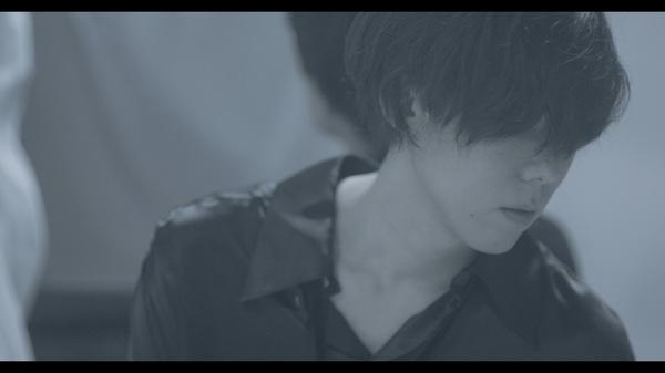 """illion、映画『東京喰種 トーキョーグール』主題歌 「BANKA」MVは""""人間の二面性""""を表現"""