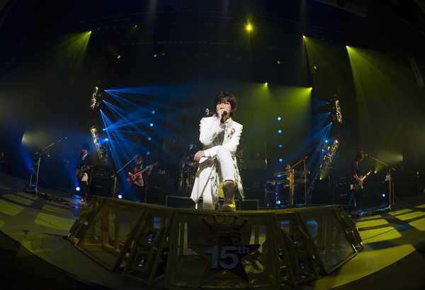 TETSUYA(L'Arc〜en〜Ciel)、ソロ15th記念ライヴの映像作品をリリース