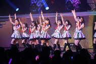 """AKB48、チーム8選抜コンサートで""""ダンス自慢メンバー""""による華麗でダイナミックなステージを披露"""