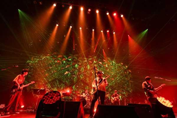 flumpool、全国ツアー東京公演が終了! 全編を屋久島で撮影した新曲「HELP」のMV公開