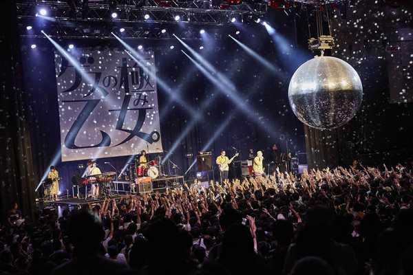 indigo la End × ゲスの極み乙女。、レア曲やサプライズな演出も飛び出したデビュー5周年記念ライヴ