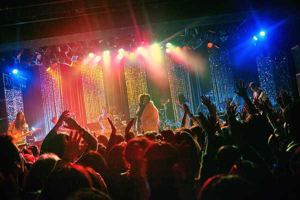 Charaの生誕52周年ライブにHIMI&SUMIRE、木村カエラらも登場