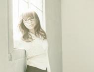 多くの女性から支持を受けているシンガーソングライターの坂詰美紗子