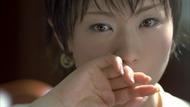 CM初出演の椎名林檎(グリコ ウォータリングキスミントガム 新TV-CM「登場」篇より)