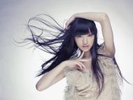 CHiAKi KURiYAMA(チアキクリヤマ)名義で歌手デビューすることが決定した女優・栗山千明