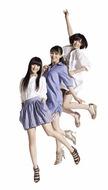 女性に人気のファッションブランド「NATURAL BEAUTY BASIC」のCMに出演するPerfume