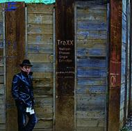 大澤誉志幸のコレクションアルバム「TraXX (トラックス)−Yoshiyuki Ohsawa Single Collection−」