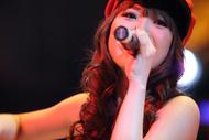上海にてライブを開催したMay'n(メイン)