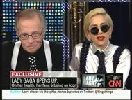 CNN「ラリー・キング・ライヴ」で対談したラリー・キングとレディー・ガガ (C)CNN CNN「ラリー・キング・ライヴ」で対談したラリー・キングとレディー・ガガ (C)CNN