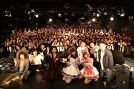 「SHOW BY ROCK!!」アニメ化記念ライブ出演者による記念撮影