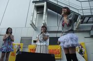 イベントに出演した、(左より)Liaさん、多田葵さん、LiSAさん