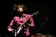 斉藤和義、2010年の後半にライヴツアーを開催!