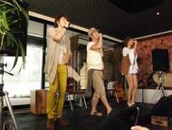 新曲リリース記念イベント「雨男雨女50人VS晴れ男晴れ女アーティスト」を開催したSafarii