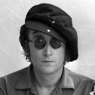 ジョン・レノン 【Photo:Iain Macmillan. (C)Yoko Ono.】 ジョン・レノン 【Photo:Iain Macmillan. (C)Yoko Ono.】