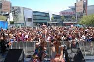 ロサンゼルスで開催された「アニメエキスポ2010」に出演したRSP