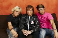 『anim.o.v.e 02』に参加した遠藤正明(左)、影山ヒロノブ(中央)とm.o.v.eのmotsu(右)