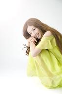デビュー・シングルの続編となる新曲を発表したTiara