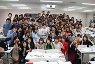 6月22日、ニコルが日本工学院専門学校にサプライズ訪問