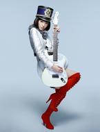 布袋寅泰との強力コラボで2ndシングルをリリースする栗山千明