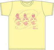やくしまるえつこによる描き下ろしイラストのTシャツ