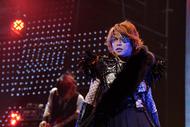 隻眼姿も披露するなど、ビジュアル的にも見所満載だったT.M.Revolution日本武道館公演より ListenJapan
