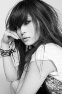 2011年第1弾シングル「無形スピリット」をリリースする柴咲コウ Listen Japan