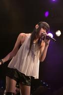 """8回目となるソロライブ「8th SOLO LIVE""""FRIDAY NIGHT""""」を開催した織田かおり"""