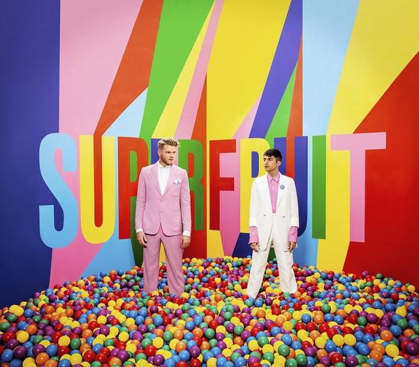 PentatonixのスコットとミッチによるSUPERFRUIT、 デビュー作『フューチャー・フレンズ』リリース!