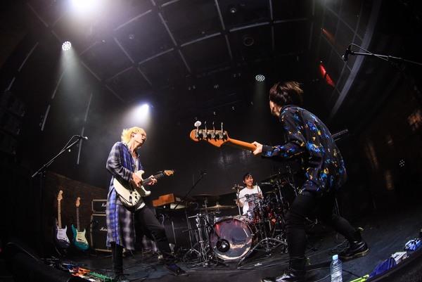 リアクション ザ ブッタ、3ヵ月連続ワンマン最終公演で2018年ツアーを発表
