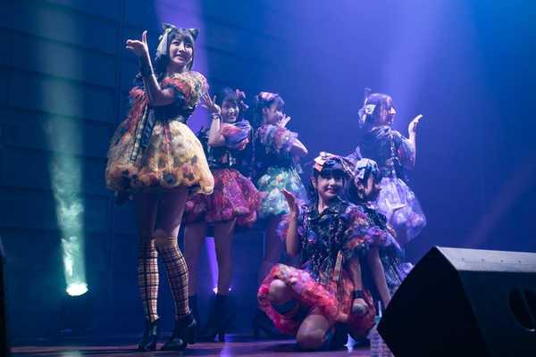 マジカル・パンチライン、満員のファン感謝ライブで新曲&新衣装を披露