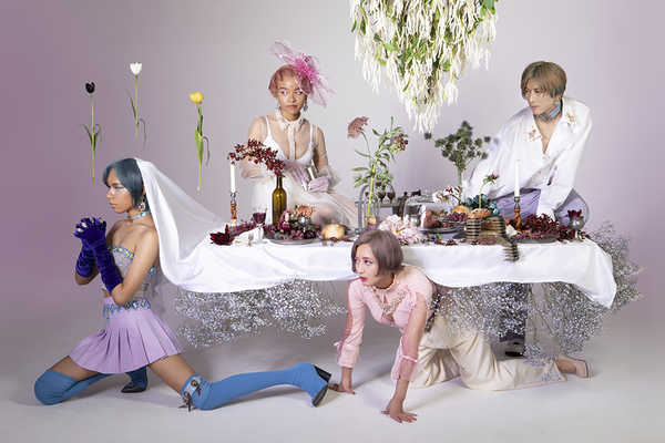 女王蜂、全曲完全新録曲のアルバムを2020年2月にリリース