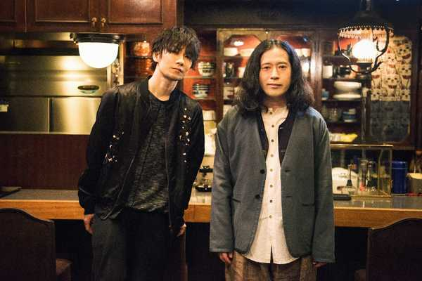 TK from 凛として時雨、新曲MVに又吉直樹が小説家役で出演