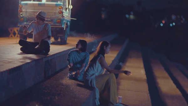 「三角の恋」MV