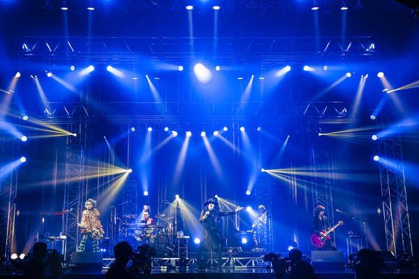 無観客オンライン生配信『ABRACADABRA LIVE ON THE NET』 Photo by 田中聖太郎写真事務所