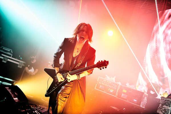 10月14日@『SUGIZO LIVE STREAMING FROM TOKYO EPISODE I~RE-ECHO TO COSMIC DANCE~』