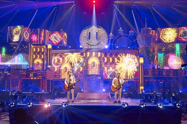 ゆず、配信ライブで新曲「NATSUMONOGATARI」を初披露&配信リリースが決定